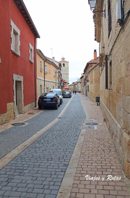 Calle Mayor de Fuentes de Valdepero