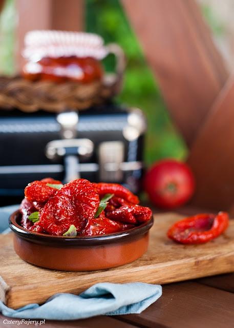 Domowe-pomidory-suszone-w-piekarniku
