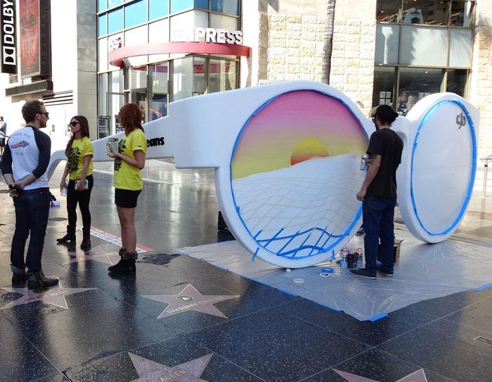 A calçada da fama ganhou sotaque brasileiro com a intervenção feita pela CHILLI  BEANS para marcar a inauguração de sua loja em Los Angeles, ... 33a78bb210