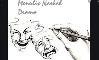 naskah drama disusun dalam bentuk