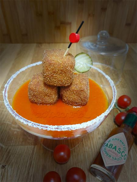 Cubitos de pollo con salsa Bloody Mary, o como disfrutar cocinando con  salsa Tabasco