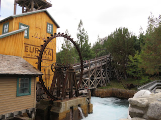 Grizzly River Run Disney California Adventure Lift Hill