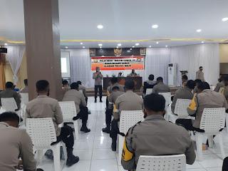 Kasat Binmas Polres Wajo Berikan Pelatihan Tracer Covid-19