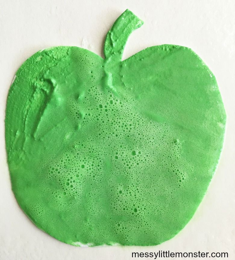 fizzy paint apple craft for kids