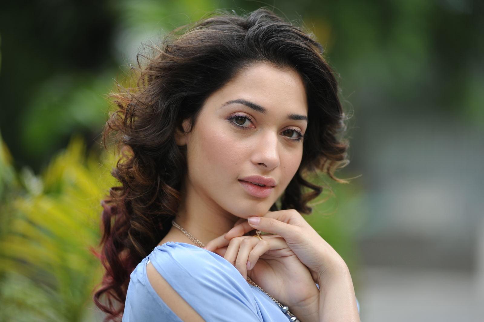 Tamanna Latest: Tamanna Cute Face Expression Nice Looking Pics-2
