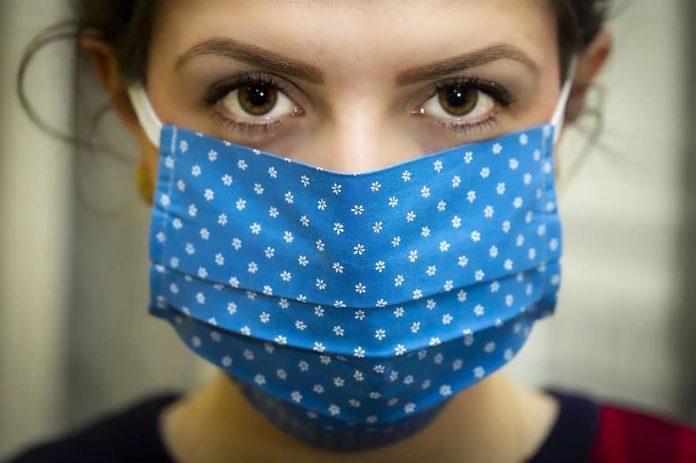 GANDU - Pessoas são flagradas sem o uso da máscara no centro da cidade