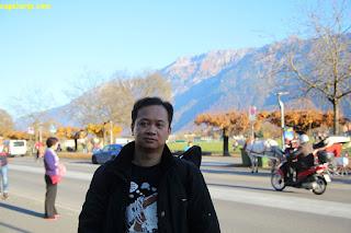 Eksis di Tepi Jalan di Interlaken
