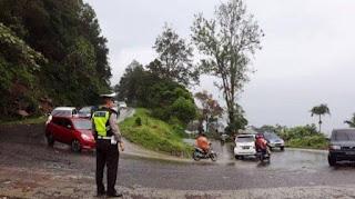 Antisipasi Kemacetan, Polisi Lakukan Rekayasa Lalu Lintas Jalur Medan-Berastagi