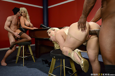Bridgette B & Nina Kayy – Blowing On Some Other Guy's Dice