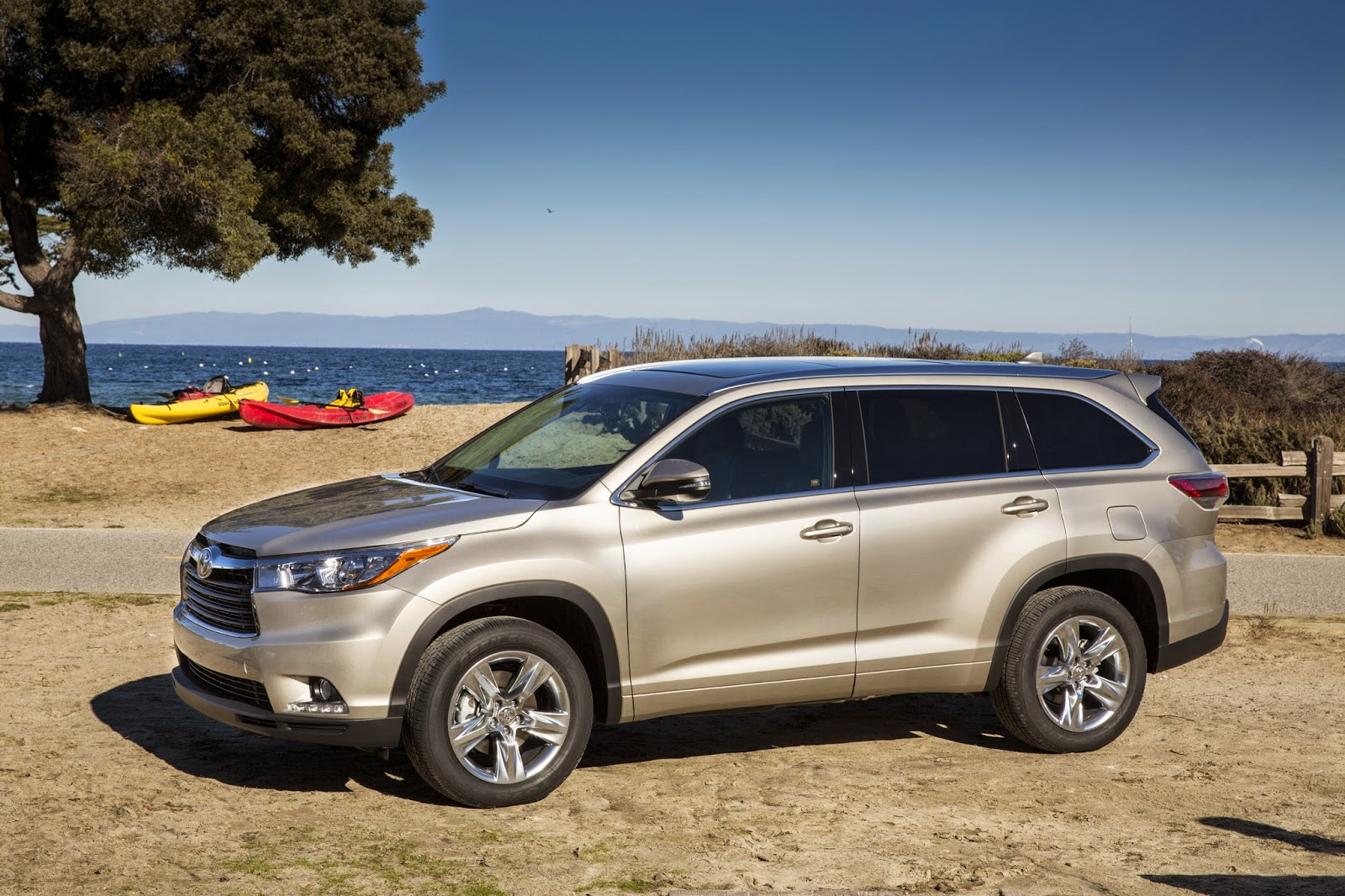 2014 Toyota Highlander Limited: Home Run for Families