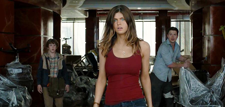 Alexandra Daddario în filmul San Andreas