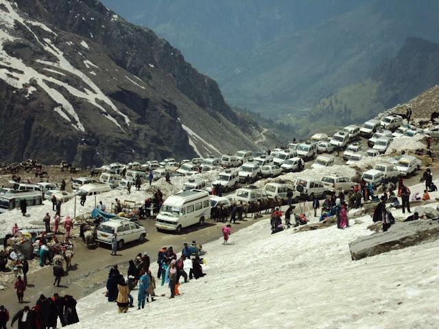 Top-10-Most-Dangerous-Roads-in-India