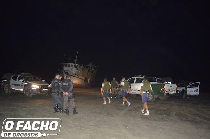 VÍDEO: Operação da PM apreende embarcação com produtos contrabandeados em Grossos