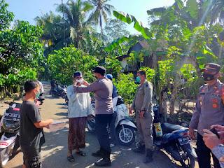 Terapkan Protokol Kesehatan Personel Polsek Cendana Polres Enrekang Melaksanakan Oprasi Yustisi