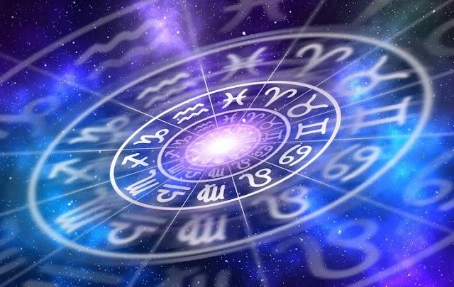 Гороскоп на 12 січня: Козерогам варто сумлінно виконувати свої обов'язки, а Водоліям – вхоплювати кожну можливість