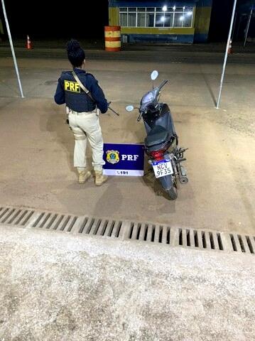 Motociclista é preso antes de levar moto roubada para a Bolívia