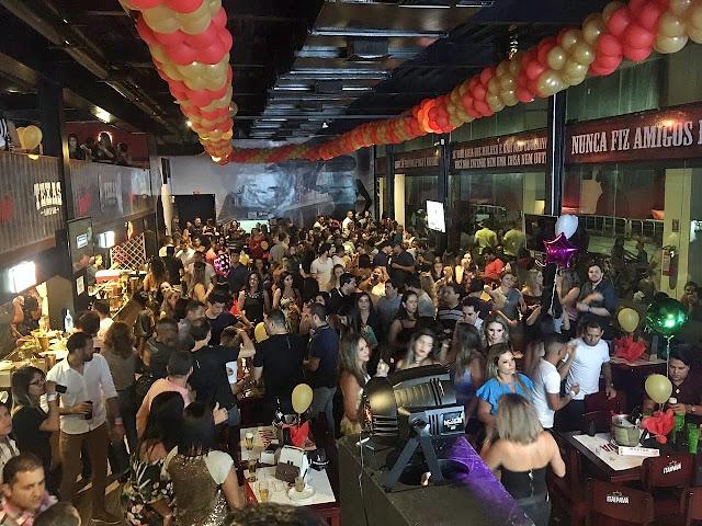 Texas Ranch Bar agita noite do Recife Antigo