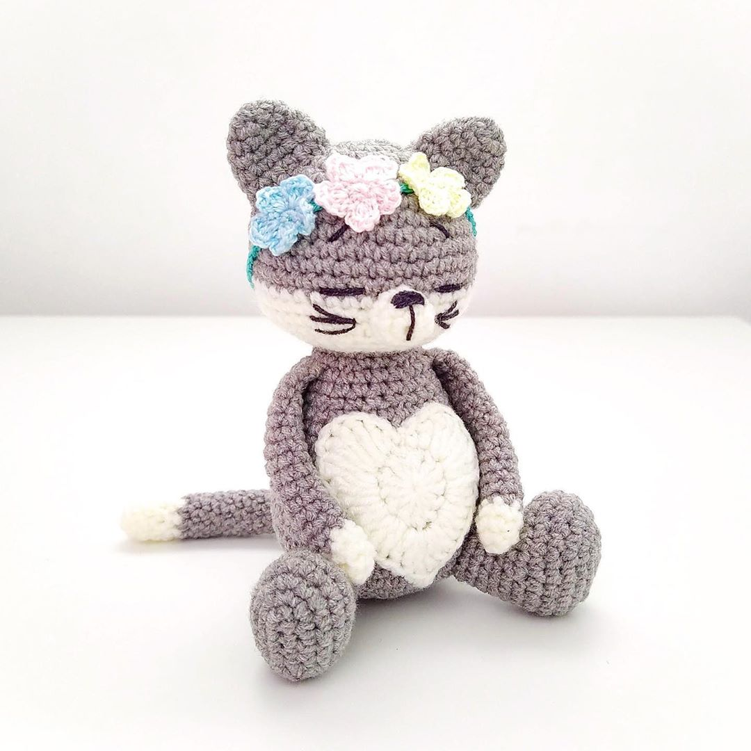 Free Cat Crochet Pattern - Red Ted Art - Make crafting with kids ... | 1080x1080