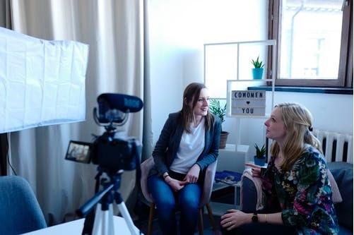 Lampu, Kamera, Action: Pemasaran dengan Video Online