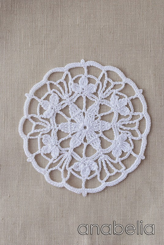 Crochet lace motif nr 3 by Anabelia