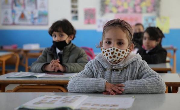 الفيدرالية الوطنية لجمعيات آباء التلامذة تدعو إلى اعتماد تعليم حضوري في جميع أنحاء المغرب