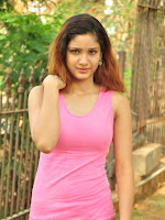 New Actress Aarthi glamorous photo gallery-cover-photo