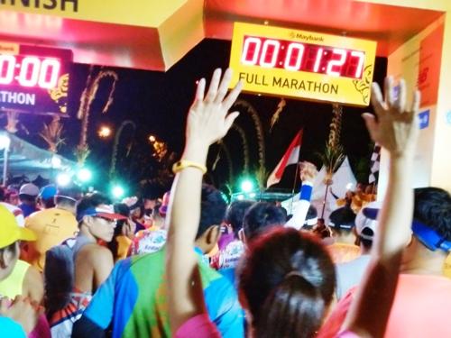 バリ マラソン フル42.195㎞ バリマリン&サファリパークから午前5時にスタート