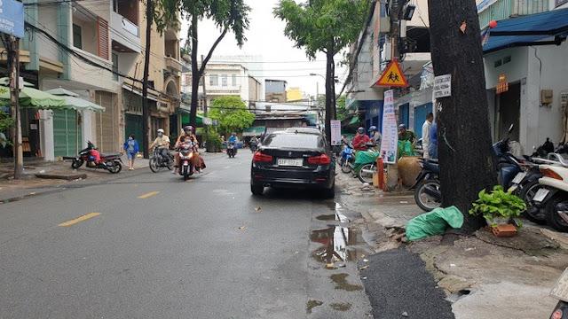 Công an vào cuộc vụ thanh niên rượt theo đập xe BMW gần Bệnh viện Chợ Rẫy