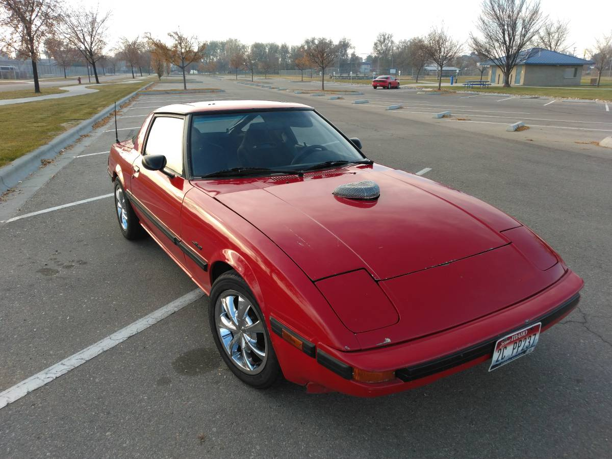 Chevy V8 Swapped: 1985 Mazda RX-7