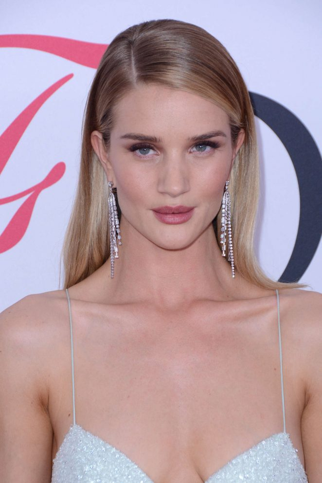 Rosie Huntington Whiteley – 2016 CFDA Fashion Awards in New York