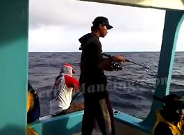 Serunya Mancing Di Kapal Strike Barengan