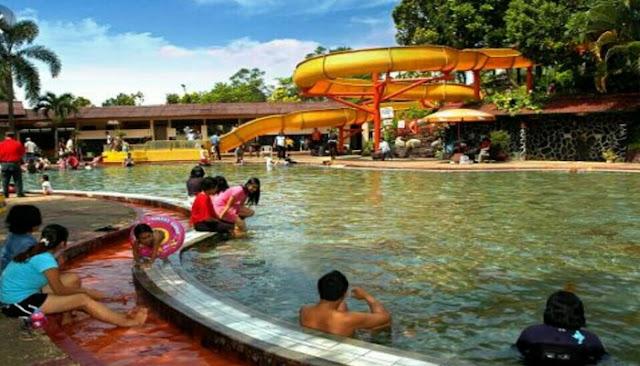 kolam rendam air panas sariater