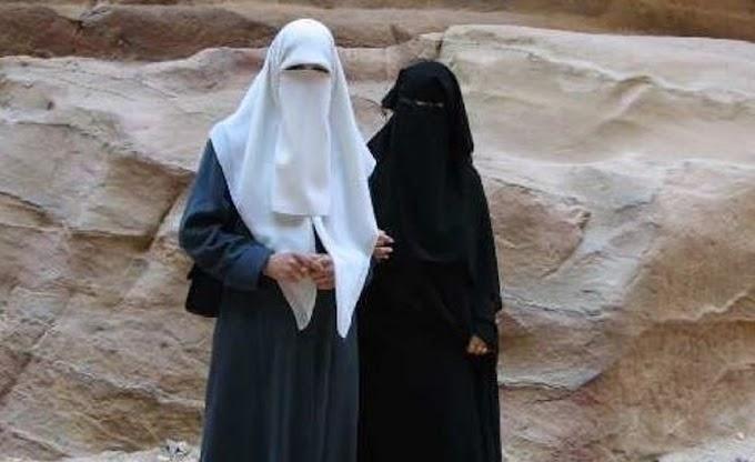 Quyết định cấm burqas bị hoãn lại ở Sri Lanka