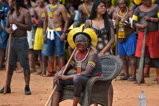 Indígenas de Brasil denuncian proyecto genocida y ecocida