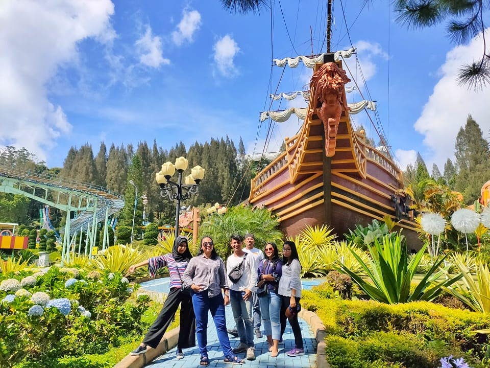 Mikie Holiday Funland, Pesona Taman Modern di Ujung Utara Andalas