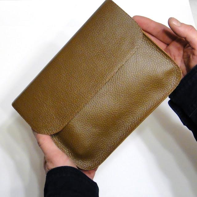 Кожаная папка в подарок мужчине - формат А5 для автодокументов