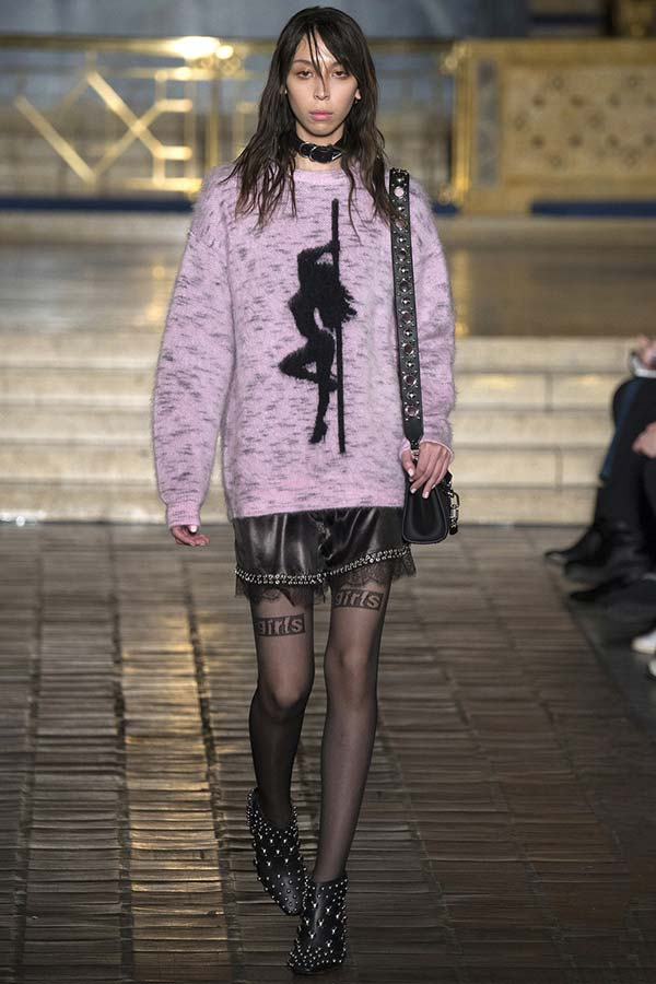 Alexander-Wang-Fall-Winter-2016-2017-RTW-NYFW, Alexander-Wang-Fall-Winter-2016-2017, Alexander-Wang-Fall-Winter-2017, Alexander-Wang-Fall-Winter-2017-rtw, Alexander-Wang-FW2017, dudessinauxpodiums, du-dessin-aux-podiums