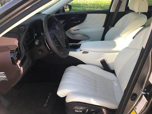 Front seats in 2020 Lexus LS 500