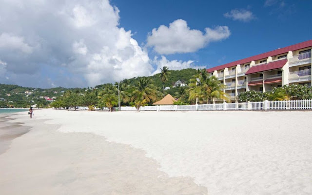 Located on Spice Island, Radisson Grenada Beach Resort offers the complete Caribbean experience with beachfront rooms, a dive shop and four island-themed restaurants on site.