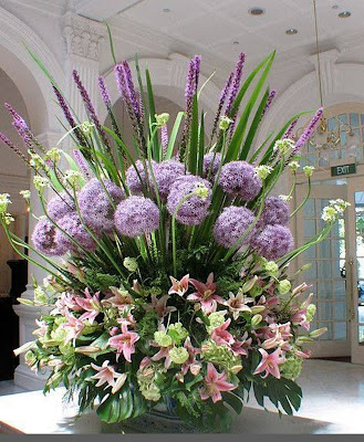 large wedding flower arrangements