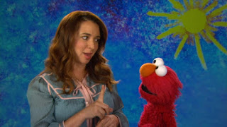 celebrity Maya Rudolph, the Word on the Street brainstorm, Sesame Street Episode 4313 The Very End of X season 43