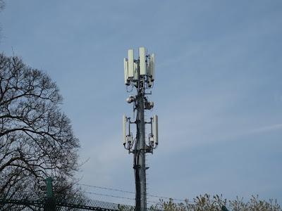 phone-mast-close-up_UK