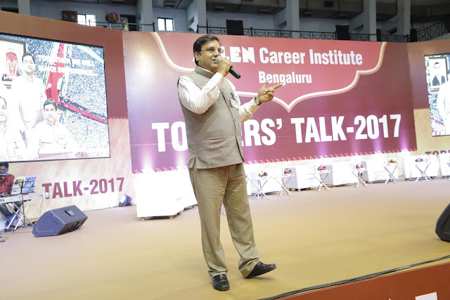 THe Director of Allen Institute, INDIA who came from KOTA to address the crowd - Mr. Rajesh Maheshwari