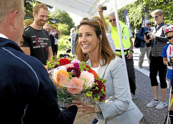 Princess Marie arrived in Holte. Princess Marie wore Chloe blazer, new sesion dress, diamond earrings, jewelery