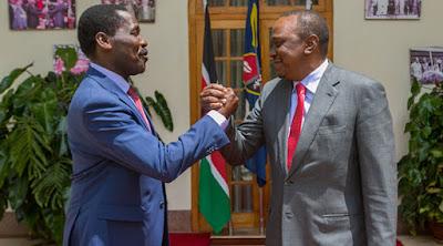Peter Munya and President Uhuru Kenyatta. PHOTO | PSCU