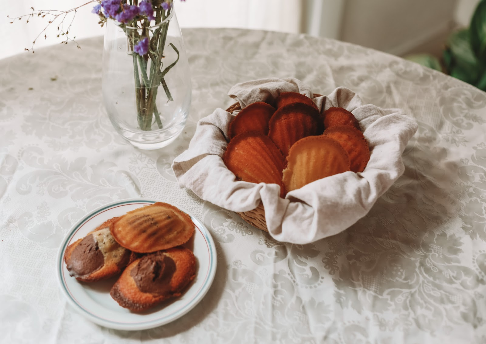 Rêveuse Recipe: Classic French Madeleine Cakes