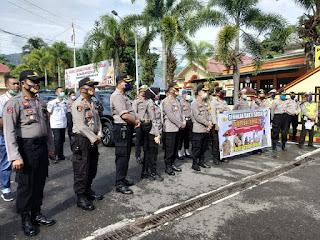 Bergerak Serentak, Kapolres Tana Toraja Pimpin Penyaluran Bantuan Pangan Polri
