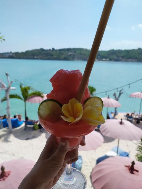 menu di island beach nusa ceningan