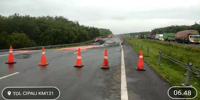 Melihat Tol Cipali KM 122 yang Amblas