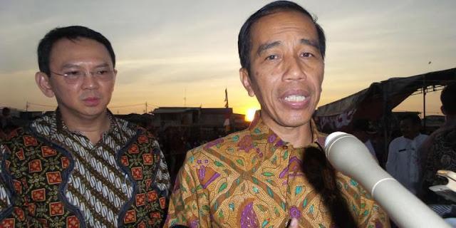 Presiden Joko Widodo dan Gubernur DKI Jakarta Basuki Tjahaja Purnama saat blusukan di kawasan Tanah Merah, Kamis (3/9/2015).